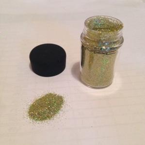 MAC Glitter in 3D Brass Green